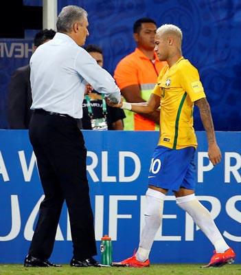 HLV Tite giúp Neymar cởi bỏ sức ép để chơi đồng đội hơn, tạo cơ hội cho Brazil dần vươn lên dẫn đầu khu vực Nam Mỹ Ảnh: REUTERS
