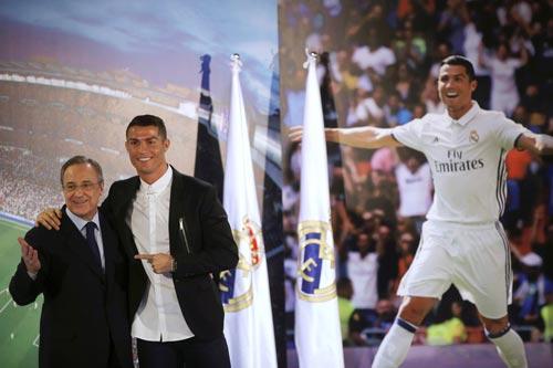 Có vẻ Ronaldo đang được Real Madrid tưởng thưởng cho thành tích trong quá khứ Ảnh: REUTERS