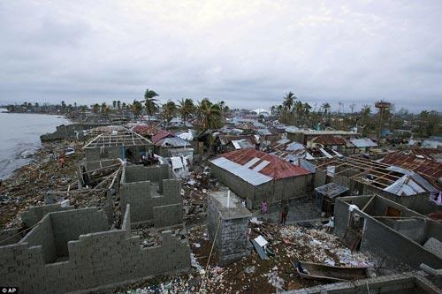 Hàng loạt ngôi nhà bị phá hủy ở Haiti Ảnh: AP