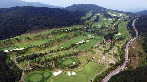 Sân golf Lotte Skyhill Country Club ở Seongju – Hàn Quốc là nơi được chọn để đặt THAAD vào năm 2017 Ảnh: YONHAP