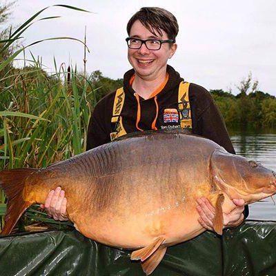 Con cá chép nặng 31 kg của ông Tom. Ảnh: TELEGRAPH
