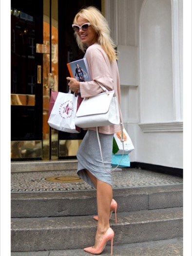 Nữ diễn viên Pamela Anderson. Ảnh: TWITTER