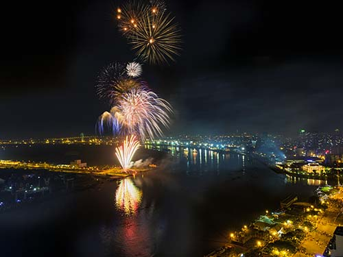 Cơ hội thưởng thức ẩm thực và nhìn ngắm pháo hoa tại trung tâm TP HCM