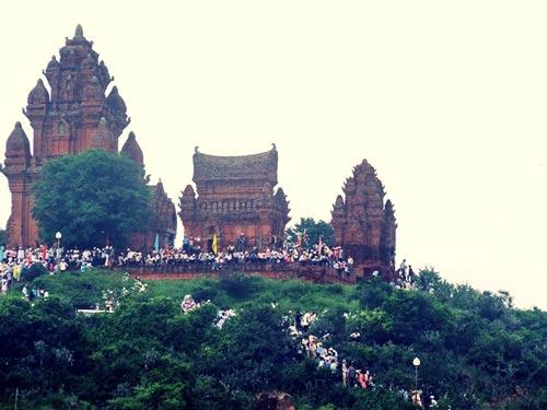 Cụm tháp Pô Klong Garai vừa được công nhận là di tích kiến trúc nghệ thuật quốc gia đặc biệt