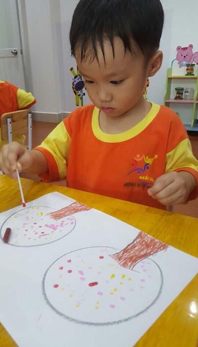 Các em tập vẽ