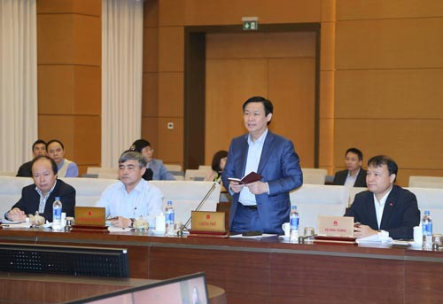 Phó Thủ tướng Vương Đình Huệ khẳng định Chính phủ sẽ cố gắng chủ động, hoàn thiện thể chế trong nước phù hợp với cam kết quốc tế Ảnh: TTXVN