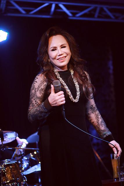 Bà vẫn là giọng hát bolero được yêu thích