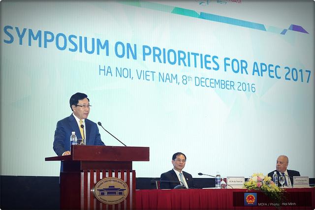 Phó Thủ tướng, Bộ trưởng Ngoại giao Phạm Bình Minh phát biểu tại tại phiên khai mạc Hội thảo về các ưu tiên của năm APEC 2017 - Ảnh: Cổng TTĐT Chính phủ