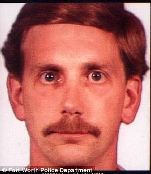 Ông Franklin hiện tại và khi bị kết tội (ảnh dưới) vào năm 1995