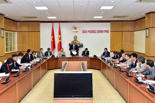 Bộ trưởng, Chủ nhiệm Văn phòng Chính phủ Mai Tiến Dũng chủ trì buổi làm việc với lãnh đạo các viện nghiên cứu kinh tế - xã hội vào ngày 10-11Ảnh: Nhật Bắc