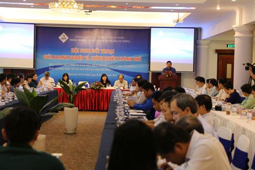 Hội nghị đối thoại giữa doanh nghiệp với chính quyền TP HCM vào sáng 28-10 Ảnh: LÊ PHONG