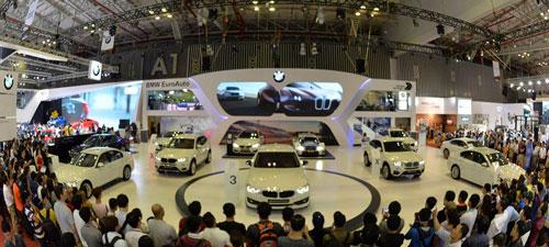 Gian hàng xe BMW của Euro Auto tại một triển lãm ô tô quốc tế mới đây ở TP HCM Ảnh: BMM.VN