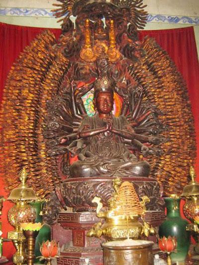 Tượng Phật bà Quan Thế Âm ngàn mắt ngàn tay tại chùa Mễ Sở (huyện Văn Giang, tỉnh Hưng Yên) Ảnh: tư liệu