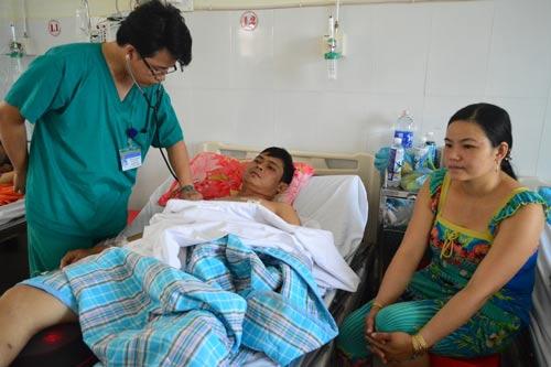 Bệnh nhân Trần Quang Lợi được nhóm của bác sĩ Nguyễn Văn Điền cứu sống