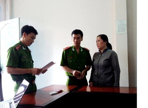Bà Bùi Thị Thu lúc bị công an bắt giam Ảnh: NGUYỄN HUYNH