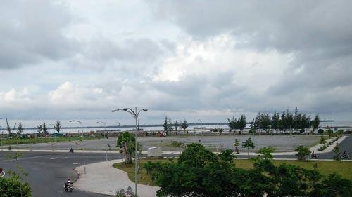 Khu đất trống tiếp giáp với mặt biển sẽ được đầu tư khu chợ đêm Rạch Giá thuộc khu đô thị mới Phú Cường