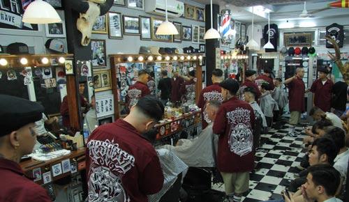 Một góc tiệm cắt tóc Undercut của Thanh Liêm