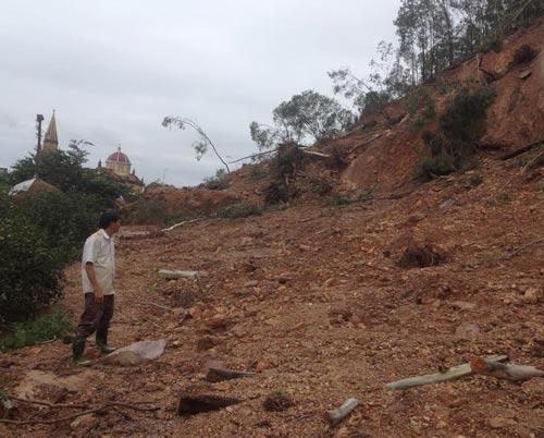 Nguy cơ sạt lở núi Rú Rậm đang đe dọa đời sống người dân xã Hưng Yên Nam, huyện Hưng Nguyên, tỉnh Nghệ An