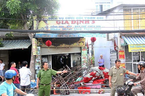 Vụ cháy trên đường Nguyễn Văn Quá (quận 12, TP HCM) ngày 4-10 khiến 3 người chết Ảnh: LÊ PHONG