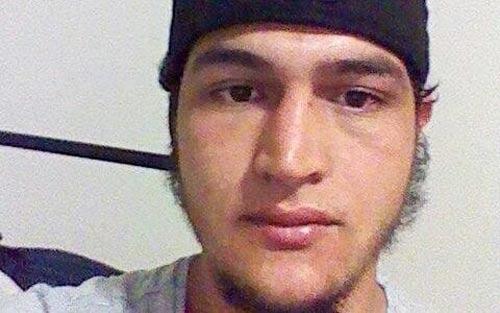 Anis Amri, nghi phạm số 1 trong vụ tấn công khủng bố ở BerlinẢnh: Facebook