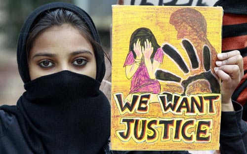 Đối với nạn nhân cưỡng hiếp ở Ấn Độ, con đường dẫn đến công lý vẫn rất dài và rất xa Ảnh: HINDUSTAN TIMES