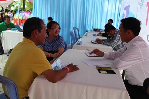 Một buổi tư vấn pháp luật cho công nhân do Công đoàn các KCX-KCN TP HCM tổ chức