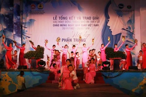 Tiết mục biểu diễn thời trang học đường của Trường Mầm non Rạng Đông, quận 6, TP HCM