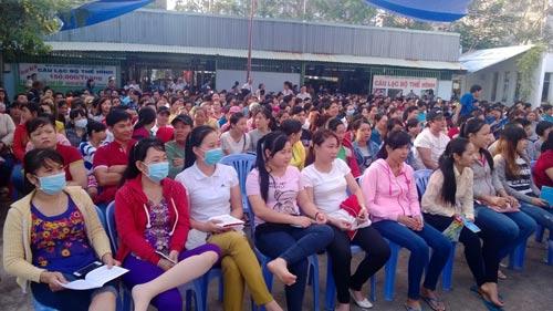 Đông đảo CNVC-LĐ tham dự ngày hội pháp luật tại Nhà Văn hóa Lao động quận Bình Tân, TP HCM