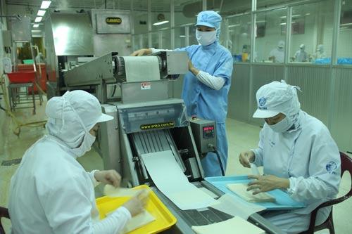 Công ty CP Chế biến thực phẩm hàng xuất khẩu Cầu Tre (thuộc Tổng Công ty Thương mại Sài Gòn) là đơn vị thực hiện tốt thang bảng lương