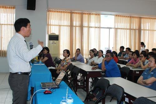 Một buổi truyền thông về phòng chống HIV/AIDS cho người lao động do Trung tâm Công tác xã hội CĐ TP phối hợp với LĐLĐ quận Bình Thạnh tổ chức