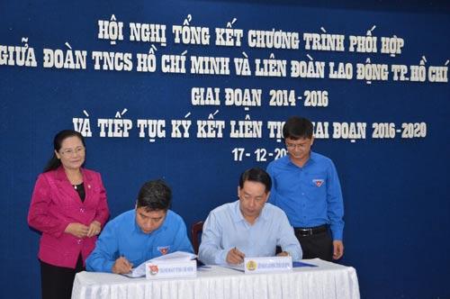 Đại diện LĐLĐ TP HCM và Thành đoàn ký kết liên tịch phối hợp hoạt động