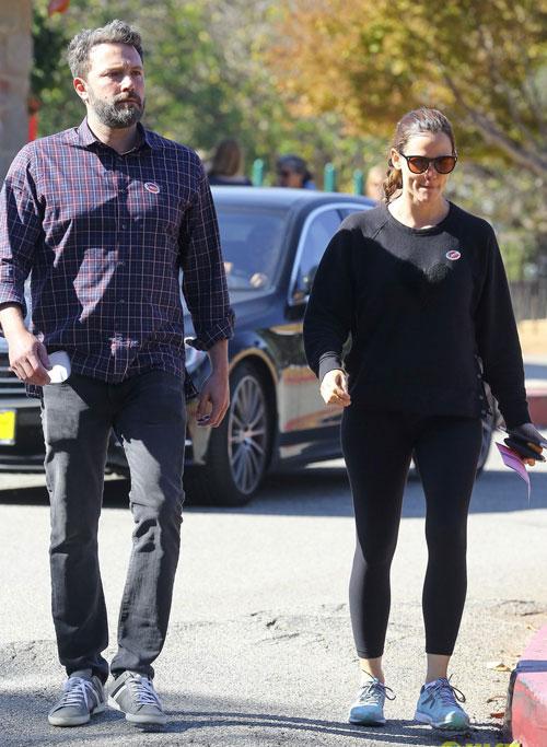 Dù ly dị, Ben Affleck và vợ cũ cùng nhau đi bầu