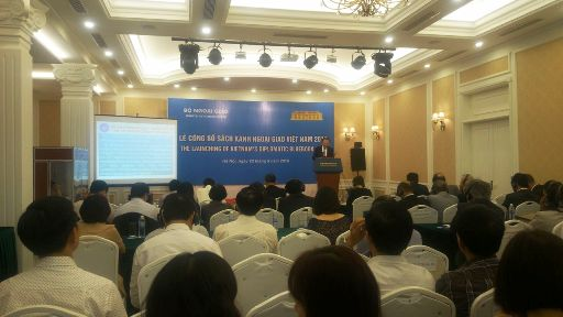 Quang cảnh Lễ công bố Sách Xanh Ngoại giao Việt Nam 2015
