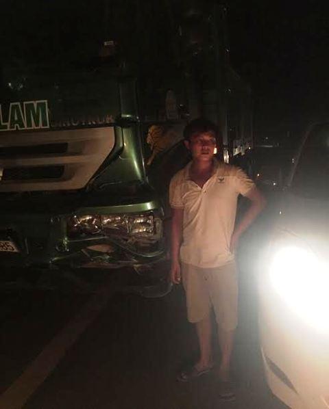 Chiếc xe tải và tài xế gây tai nạn bỏ trốn