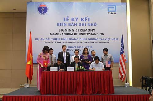 Bộ Y tế và Abbott ký kết hợp tác