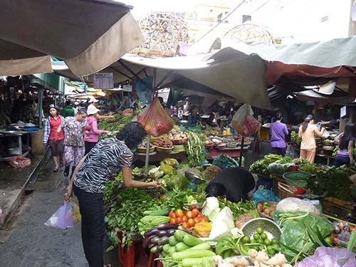Thực phẩm thiết yếu được người tiêu dùng ưu tiên chi tiêu