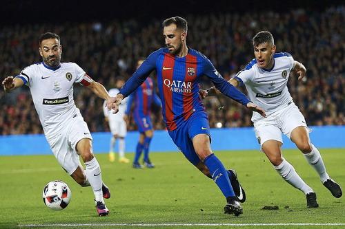Paco Alcacer ghi bàn đầu tiên sau 578 phút thi đấu cho Barcelona