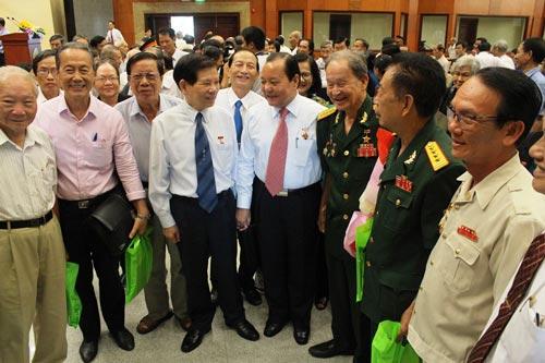Các đại biểu họp mặt truyền thống nhân kỷ niệm 71 năm ngày Nam Bộ kháng chiến