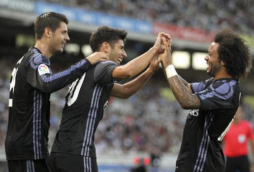 Asensio (giữa) tỏa sáng mùa trước trong màu áo Espanyol