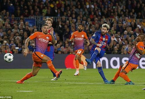 Messi hoàn tất hat-trick cho riêng mình
