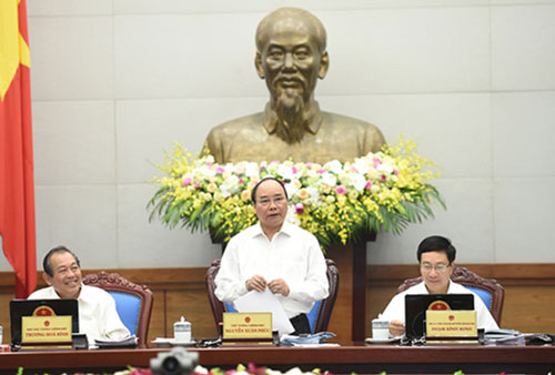 Thủ tướng Nguyễn Xuân Phúc chỉ đạo nhiều nội dung quan trọng tại phiên họp Chính phủ ngày 29-10Ảnh: PHƯƠNG NHUNG