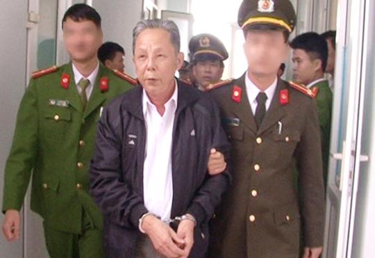 Ông Trần Văn Quân - nguyên Chủ tịch UBND xã Hải Yến, huyện Tĩnh Gia, tỉnh Thanh Hóa bị cơ quan công an tiến hành bắt giam 4 tháng
