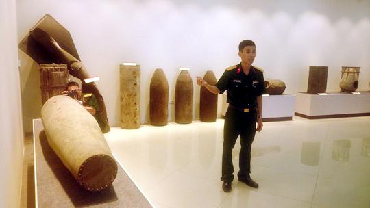 Tại Trung tâm Hành động bom mìn quốc gia có trưng bày nhiều loại bom mìn đã sử dụng trong chiến tranh tại Việt Nam