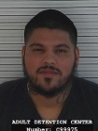 Nghi phạm Rafael Orozco. Ảnh: Taos County Adult Detention Center
