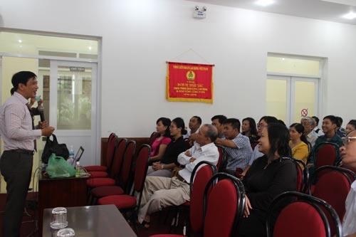 CNVC-LĐ quận 1, TP HCM nghe tuyên truyền về phòng chống HIV/AIDS