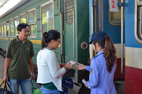 Tour du lịch đường sắt vẫn còn nhiều việc phải làm để thu hút du khách Ảnh: Tấn Thạnh