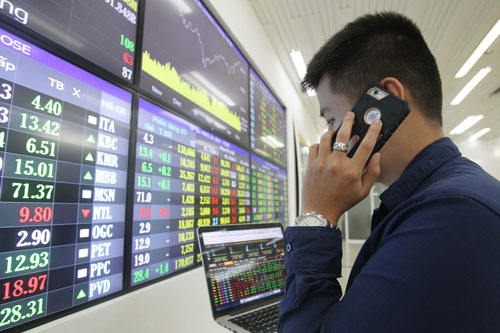 """Thị trường chứng khoán """"dội hàng"""" khi có quá nhiều cổ phiếu lớn cùng lúc lên sànẢnh: Hoàng Triều"""