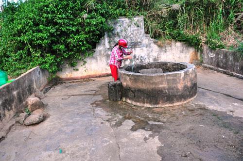 Di tích Giếng Vua (huyện Lý Sơn) bị xâm hại, xuống cấp nghiêm trọng