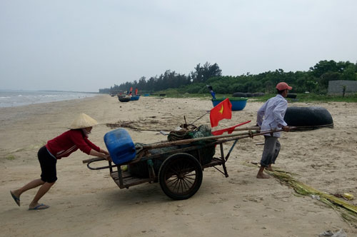 Cuộc sống của những ngư dân Quảng Bình vẫn rất khó khăn sau sự cố môi trường biển Ảnh: Minh Tuấn
