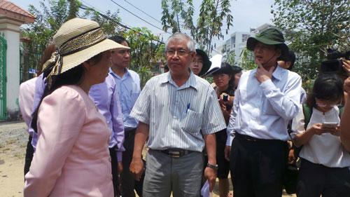 Bộ trưởng Y tế Nguyễn Thị Kim Tiến trong một lần kiểm tra công tác phòng chống Zika tại TP HCM Ảnh: NGUYỄN THẠNH